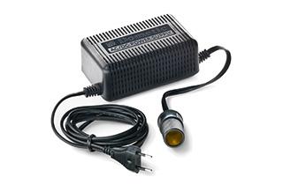 Lexus Spannungsumwandler für Kühlbox von 230 Volt auf 12 Volt optionales Zubehör zur Verwendung der Kühlbox mit Lichtstrom